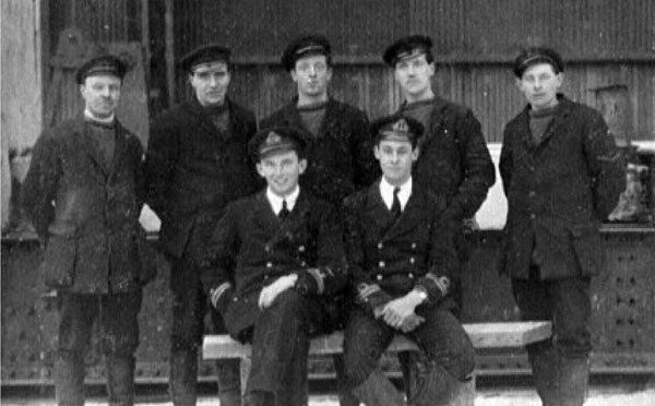 Crew of Coastal Airship C14